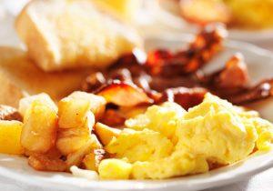 huevos-revueltos-bacon-argal